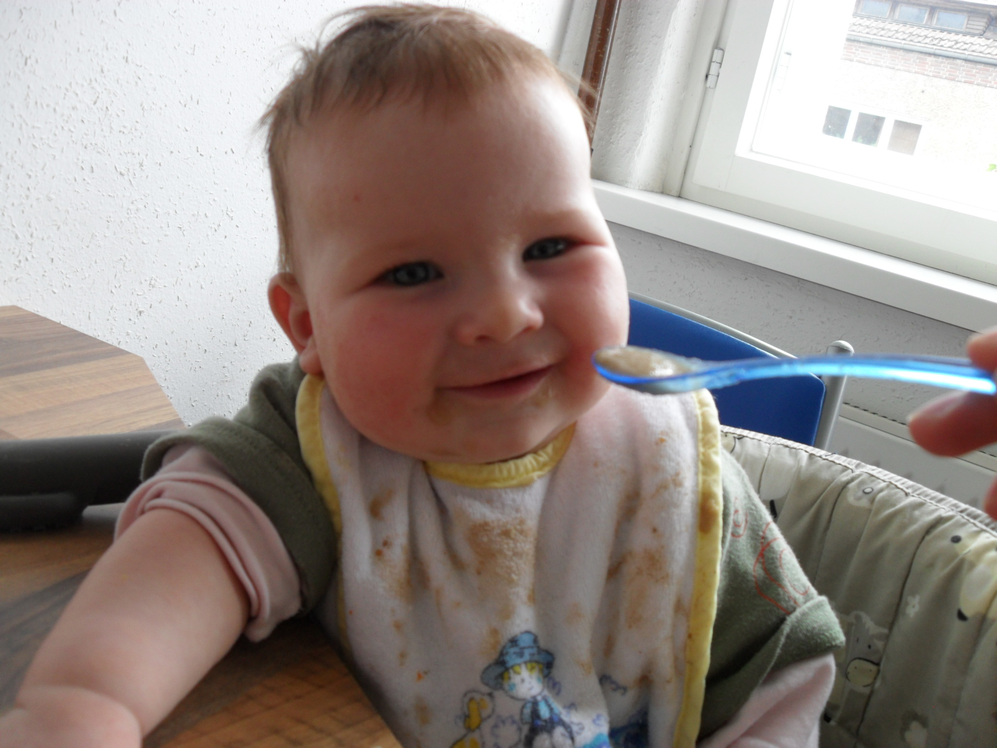 erste mahlzeit baby